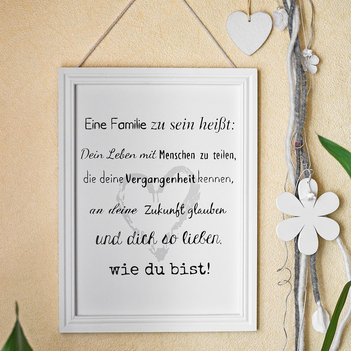 schild mit spruch eine familie zu sein bilderrahmen. Black Bedroom Furniture Sets. Home Design Ideas